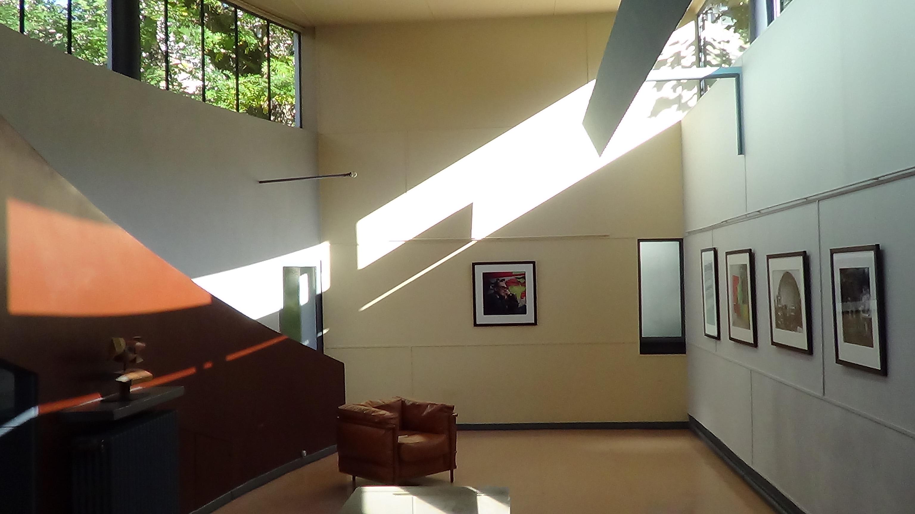 le corbusier again colin bisset. Black Bedroom Furniture Sets. Home Design Ideas