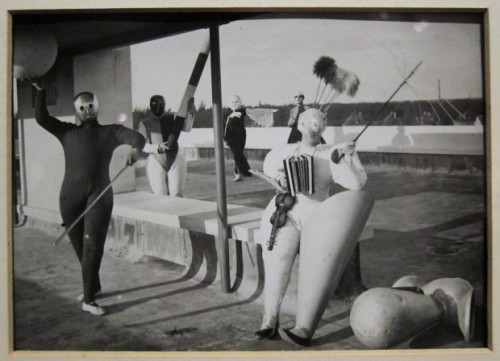 Bauhaus-costumes-4-620x448