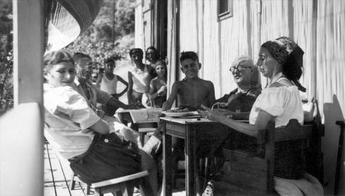 Le Corbusier with his wife and friends at L'Etoile de Mer
