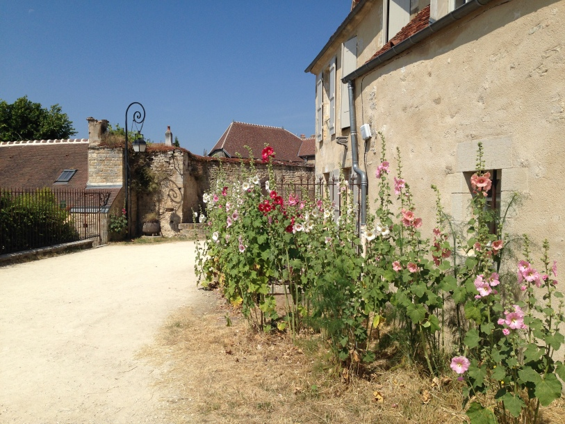 the charming streets of Vezelay