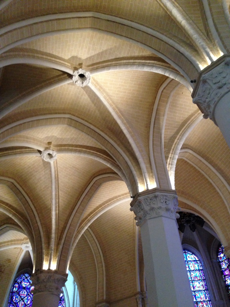 crisp and clean vaulting, Chartres