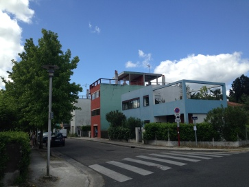 entrance to the Quartiers Modernes Fruges