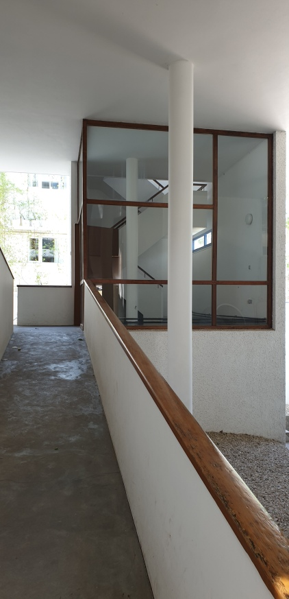 up to the apartment entrance
